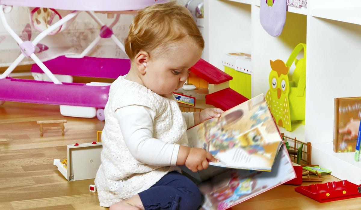 Les crédits d'impôt pour les frais de garde d'enfant et pour les services à domicile font l'objet de règles spécifiques.