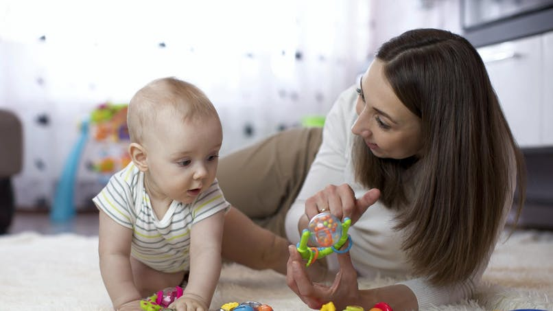 Vous devez débourser en moyenne 9,05 € net de l'heure pour une garde d'enfant à domicile