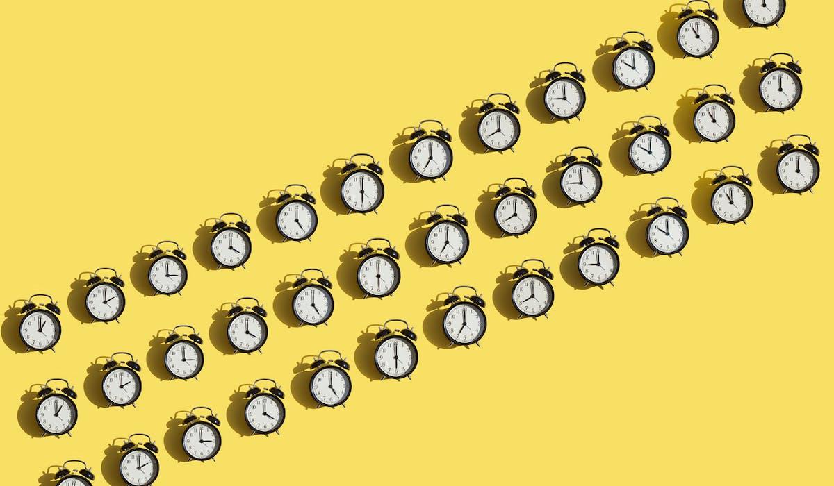 Cumuler plusieurs emplois est possible à condition de ne pas dépasser les durées maximales de travail autorisées.