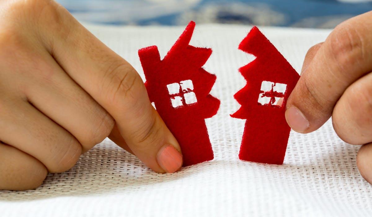 L'administration fiscale taxe le partage des biens d'un couple qui se sépare.