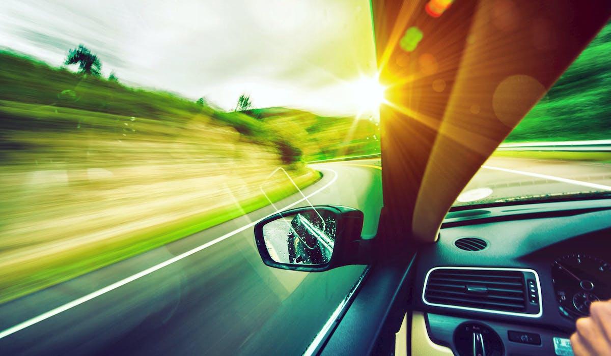 Le loueur de voitures a le droit de demander le règlement d'une amende pour excès de vitesse à son client.