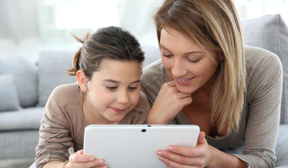 Un outil de contrôle numérique est d'autant plus efficace qu'il est accompagné d'une présence parentale active à but pédagogique.