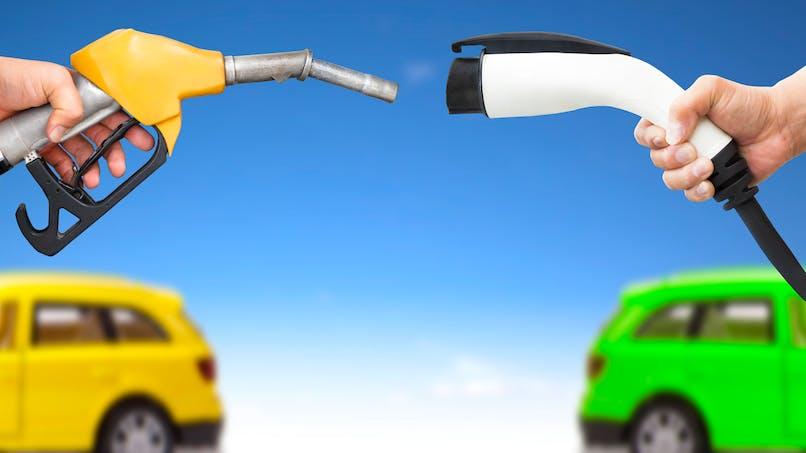 Prime à l'achat d'une voiture hybride rechargeable : le retour ?