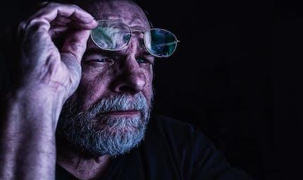 Perte de la vision : un nouveau site répond aux questions des aidants