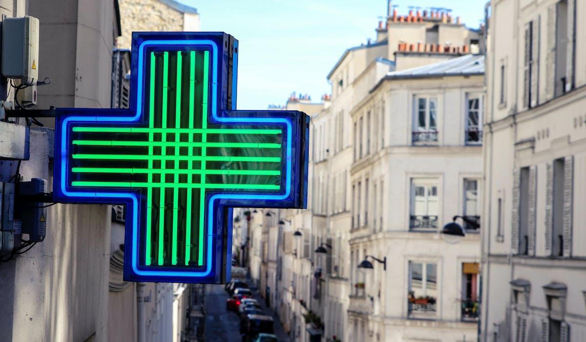 Les pharmaciens ne peuvent actuellement pas prescrire des médicaments.