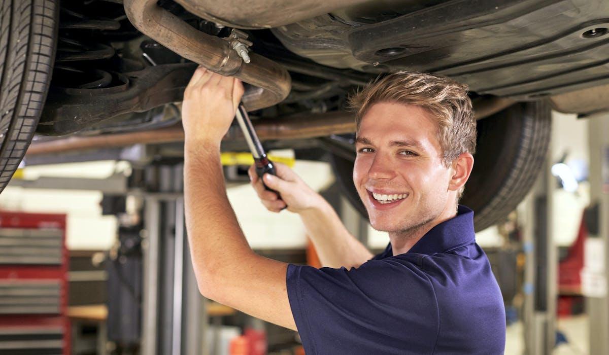 Les lycées professionnels cherchent des véhicules sur lesquels leurs élèves peuvent exercer leurs futurs talents.