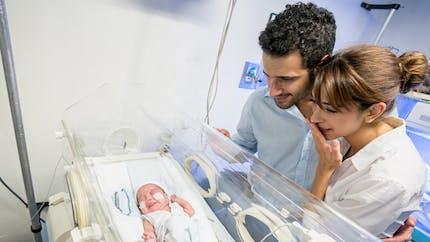 Bébés prématurés : le congé paternité bientôt allongé