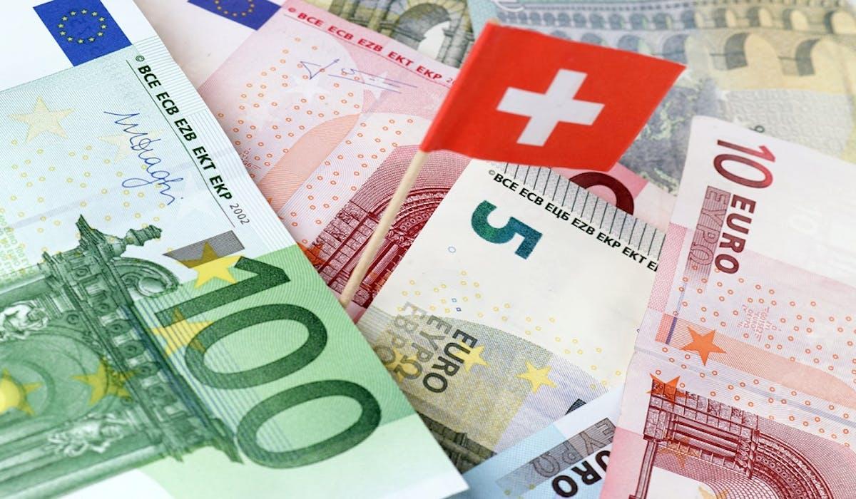 L'obligation de déclarer un compte détenu à l'étranger est étendue aux comptes inactifs ou acquis suite à une donation ou à un héritage.