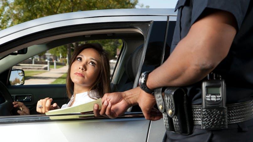 Conduite sans permis ou sans assurance : vous pouvez contester les amendes en ligne