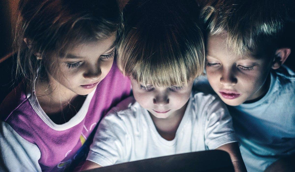 Le Sénat veut réglementer l'usage précoce des écrans par les enfants