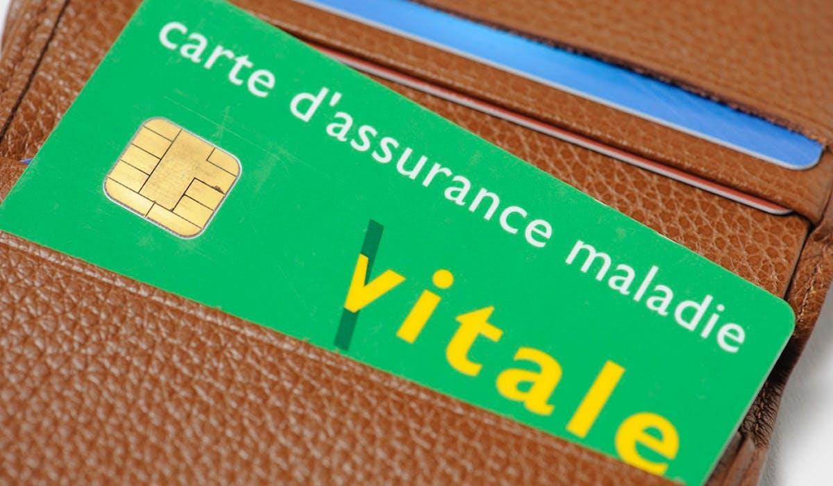 Des usagers reçoivent actuellement de faux mails les incitant à remplir un formulaire pour recevoir une nouvelle carte Vitale.