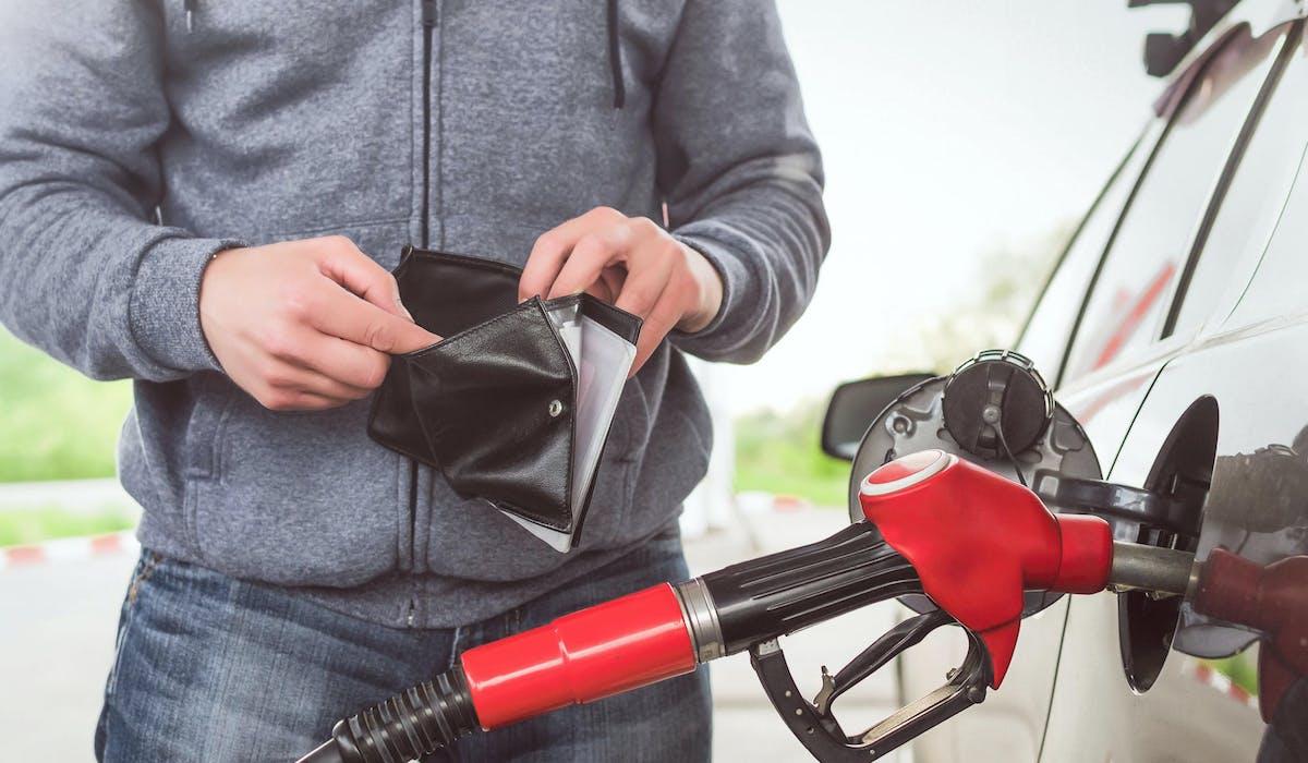 La taxation sur les carburants devait être alourdie le 1er janvier 2019.