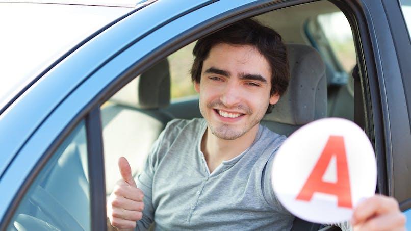 Permis de conduire : les nouveaux titulaires doivent signer une charte