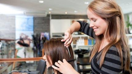 Coiffeur : est-il normal que les femmes paient plus cher ?