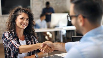Les entreprises recréent des postes, mais pas «dans tous les secteurs»