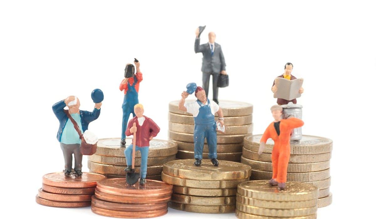 Le salaire minimum oscille entre 261 euros brut par mois en Bulgarie et 1 999 euros au Luxembourg.