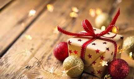 Cadeau de Noël : quand doit-on le déclarer au fisc ?