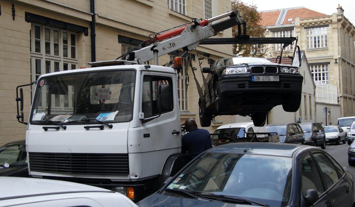Votre voiture peut être enlevée dans certaines situations.