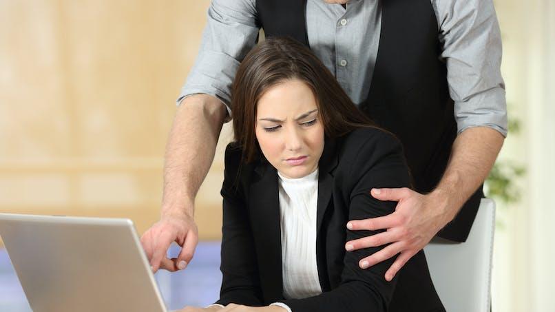 Harcèlement sexuel au travail : les attestations de plusieurs victimes suffisent à prouver les faits