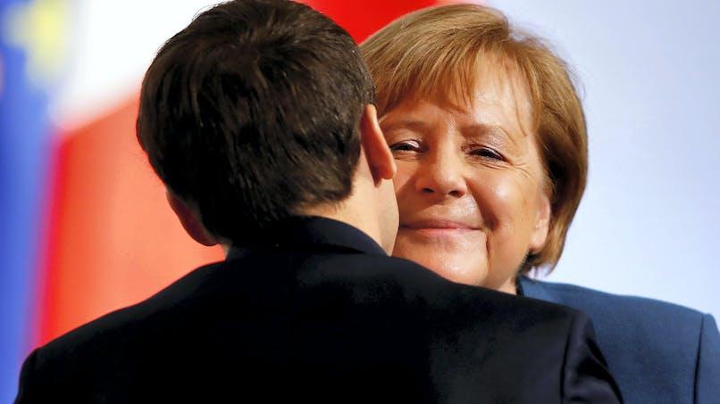 Que prévoit le traité franco-allemand d'Aix-la-Chapelle?