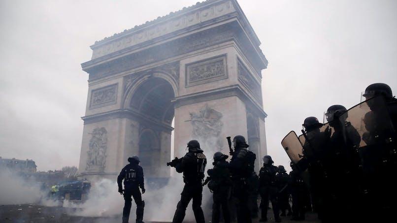 La loi «anti-casseurs» va-t-elle brider la liberté de manifester?