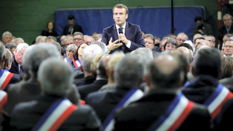 Nombre de parlementaires: les contributeurs au grand débat d'accord avec Emmanuel Macron