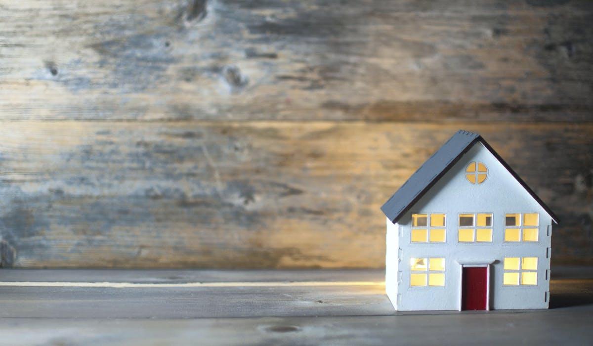 Les biens immobiliers peuvent être détenus en indivision.