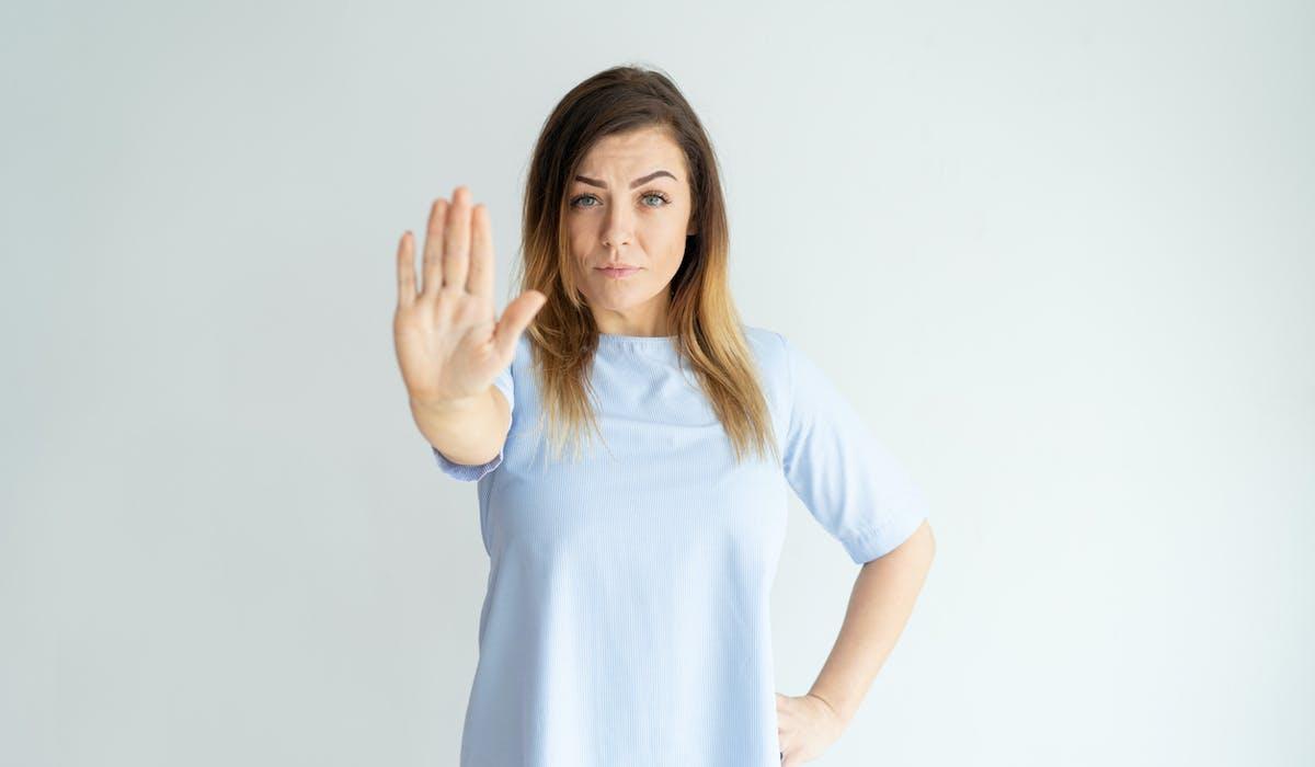 Refuser de renouveler un contrat de travail à durée déterminée ne vous empêche pas de toucher des allocations chômage.