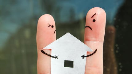 Êtes-vous prioritaire pour racheter à votre ex-mari la maison que vous avez acquise ensemble ?