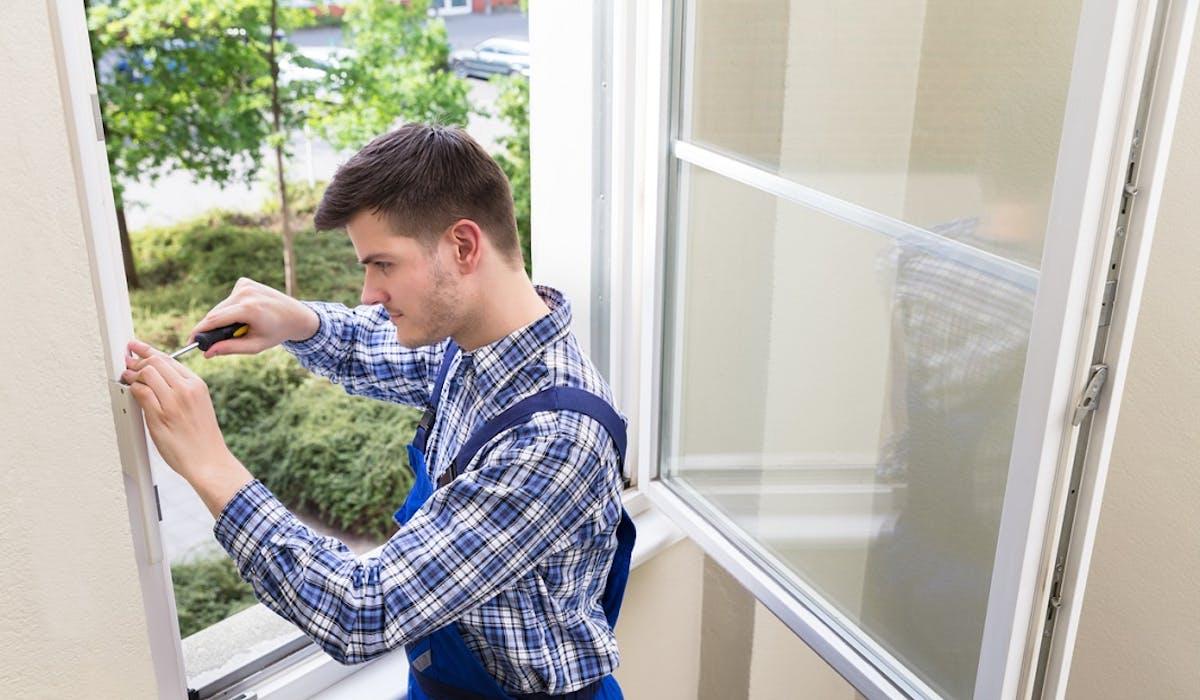 Le crédit d'impôt pour le remplacement des fenêtres à simple vitrage par du double vitrage a été rétabli.
