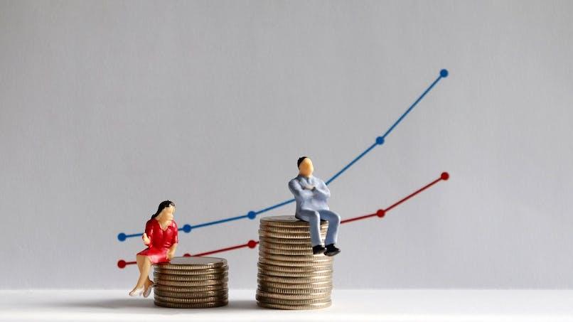Egalité salariale : une mère de famille gagne en moyenne 23 % de moins qu'un père