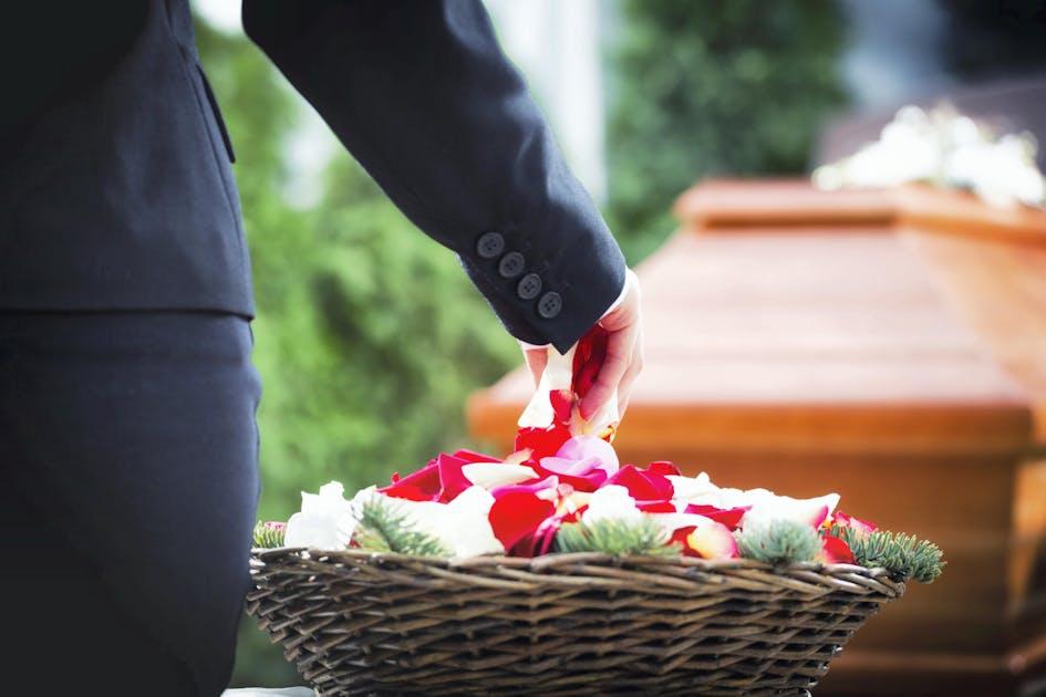 Combien de temps devez-vous attendre avant de dater après la mort du conjoint