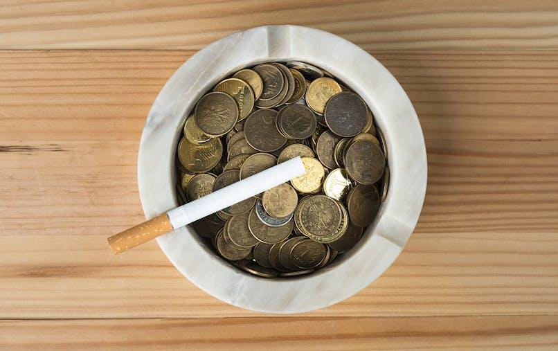 Ce vendredi 1er mars, les paquets de cigarettes vont augmenter en moyenne de 50 à 60 centimes d'euro.
