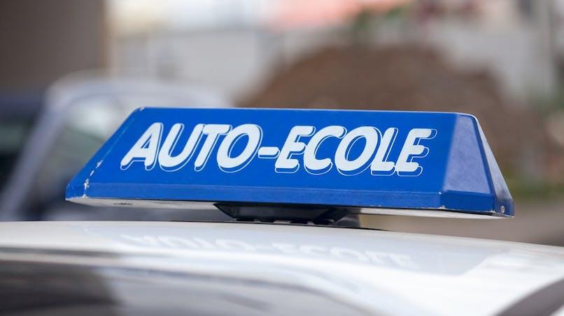 Permis de conduire : bientôt un comparateur en ligne des auto-écoles