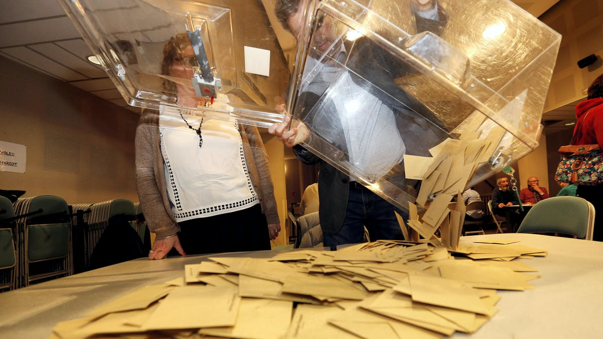 Un bureau de vote à Tulle (Corrèze), lors du second tour de l'élection présidentielle, le 7 mai 2017.