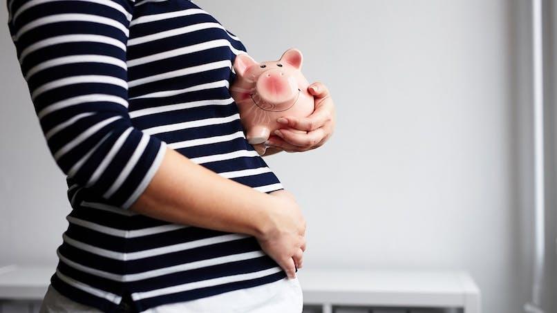 Enfant : les jeunes parents dépensent en moyenne 490 euros par mois