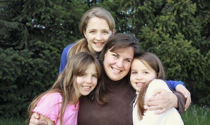Retraite : avez-vous droit à une majoration si vous avez éduqué les 3 enfants de votre conjoint ?