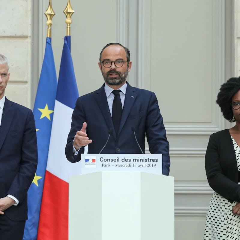 Que va contenir le projet de loi pour la restauration de Notre-Dame de Paris ?