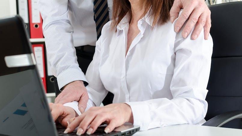 Harcèlement sexuel au travail : un guide du ministère du Travail pour prévenir et agir