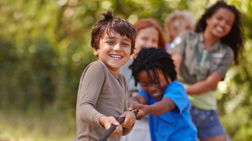 Vacances : les aides financières pour payer le séjour de votre enfant en colonie