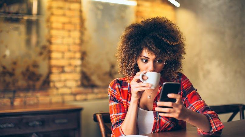 Téléphonie mobile : les prix des forfaits continuent de baisser