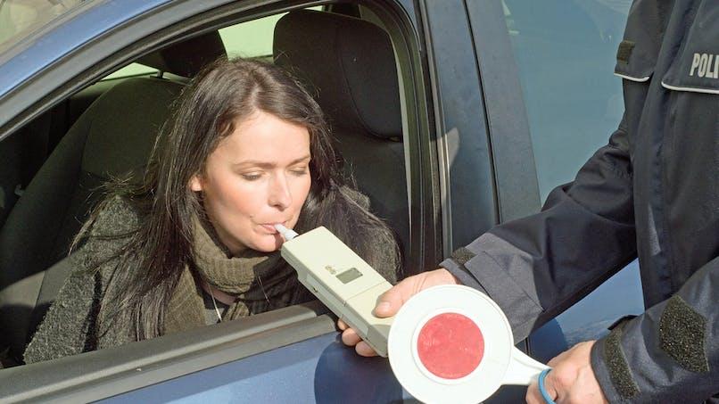 Waze, Coyote… les applications GPS bientôt contraintes de masquer certains contrôles de police ?