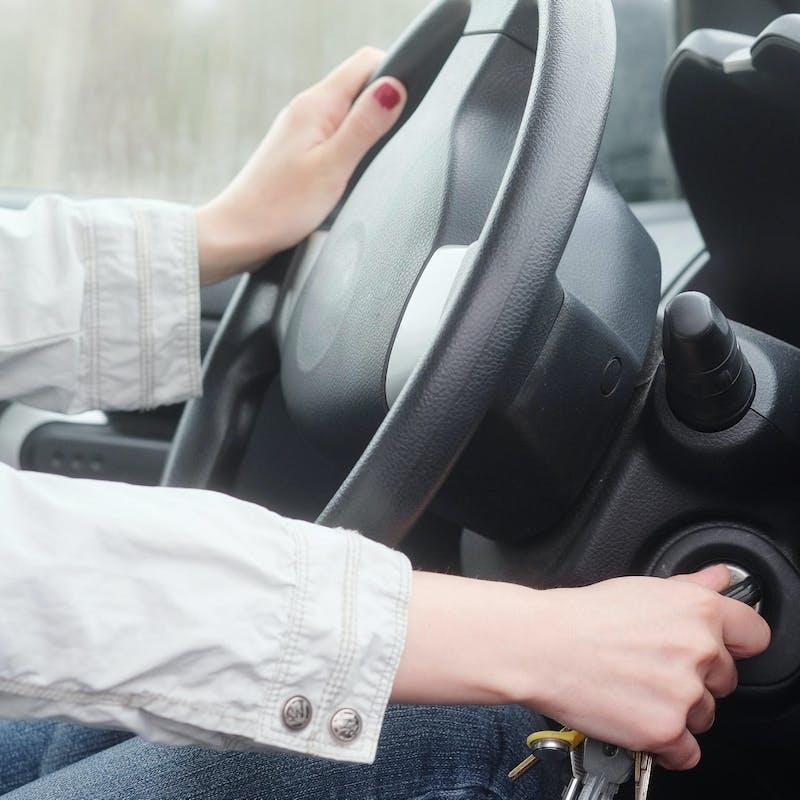 Interdiction de la publicité en faveur des véhicules les plus polluants : ce que veulent faire des députés