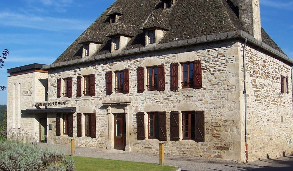 La maison de services au public de Mercoeur, en Corrèze.