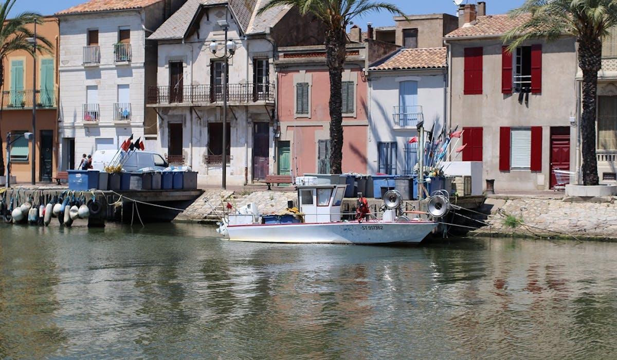 Louer un appartement sur la côte méditérranéenne coûte en moyenne 678 € en « haute saison ».