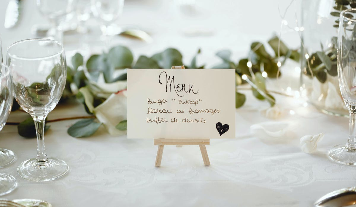 En cas de versement d'un acompte, le commerçant doit préparer le repas de mariage, faute de quoi il est en droit de réclamer un dédommagement.