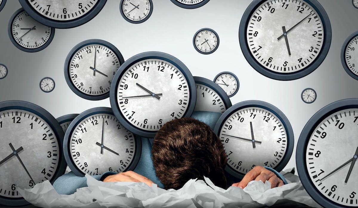 Travailler au-delà de la durée légale du travail donne lieu à une majoration de salaire ou à un repos compensatoire.