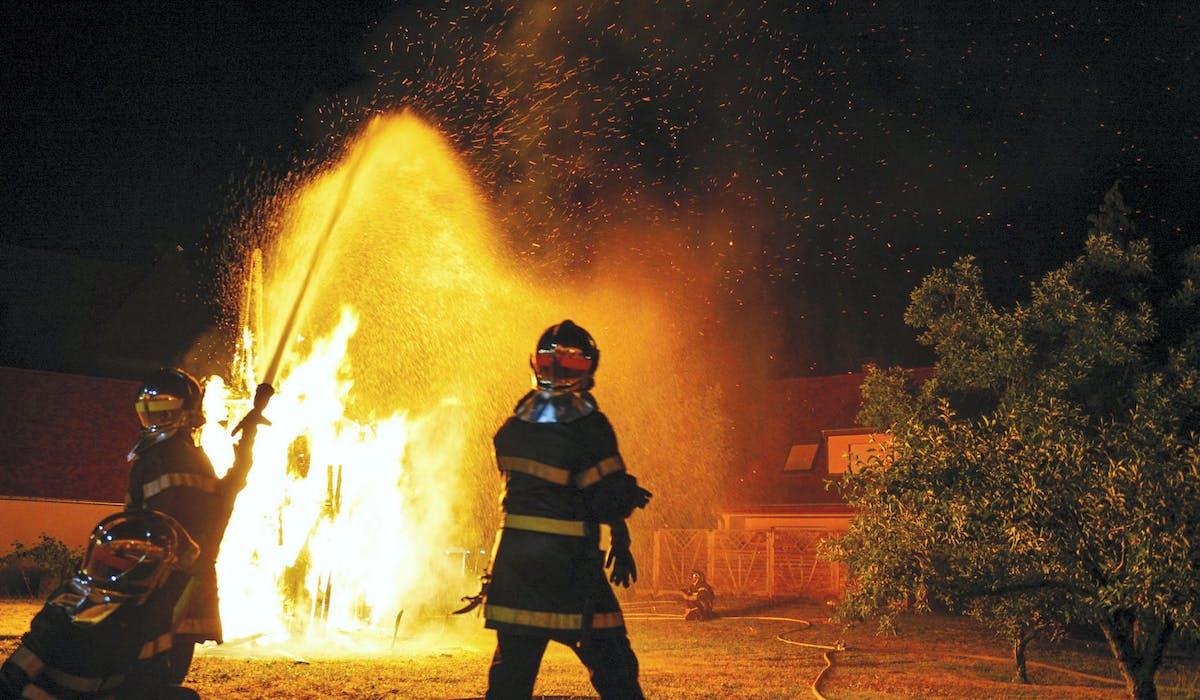 Les volontaires sont majoritaires parmi les 248 000 sapeurs-pompiers.
