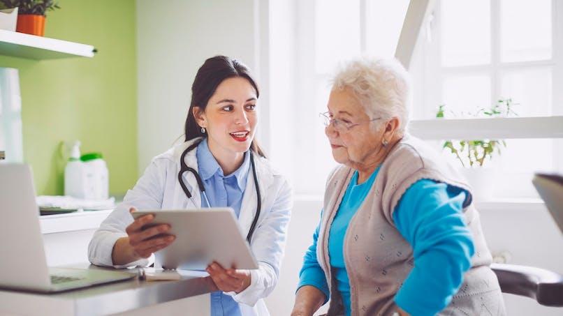 Frais de santé : ce qui change pour les retraités vivant à l'étranger