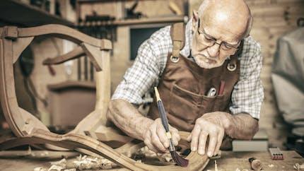 Réforme des retraites : les deux pistes pour vous faire travailler plus longtemps